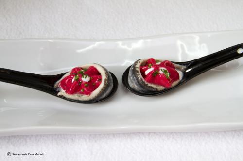 Foto nº1 de Boquerones Salazones Serrano con frutos rojos